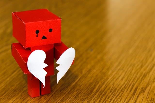 Απιστία: αντιμετωπίζοντας το τραύμα